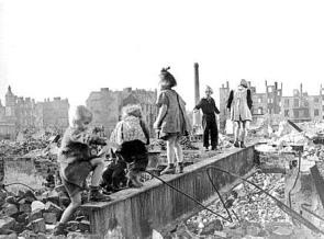 Kleidung nachkriegszeit